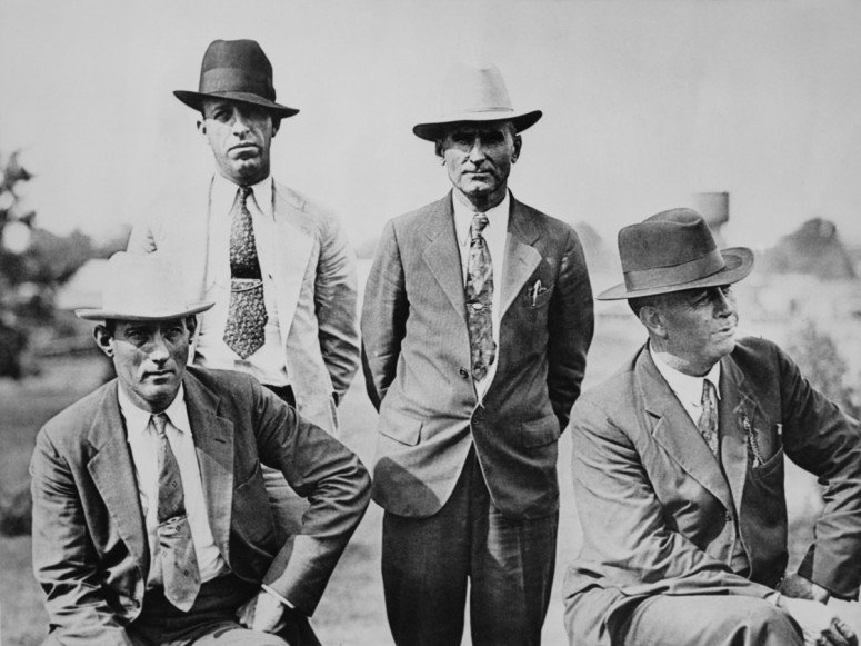 bm-manny-gault-second-left-frank-hamer-left-four-members-of-the-six-man-posse-who-ambushed-and-killed-fugitive-criminals-clyde-barrow-and-bonnie-parker--photo-by-fpghulton-archivegetty-images.jpg